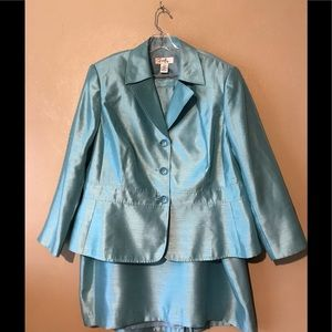 "Emily ""mint green"" skirt suit size 20W polyester"